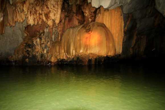 Таинственные сталактиты и сталагмиты